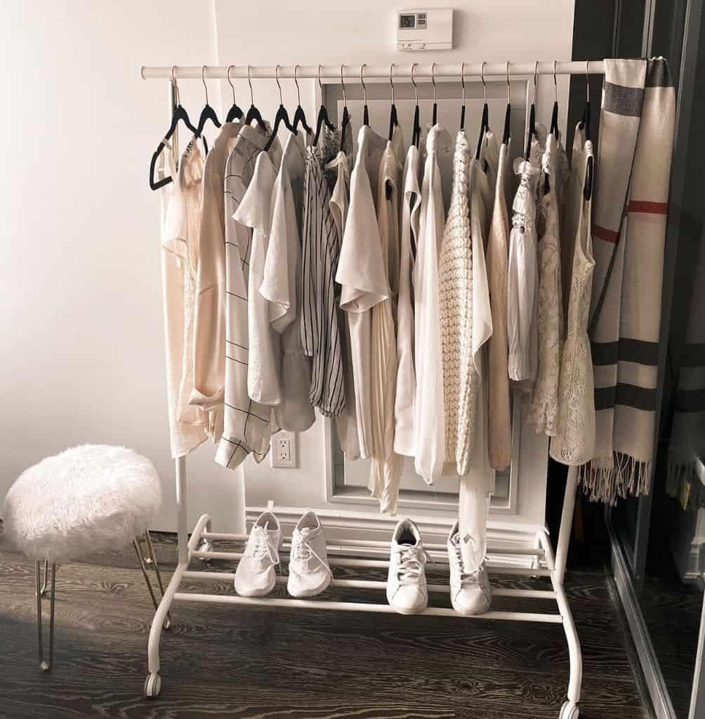 clothes-rack-organization-ideas-condocharm-7076669