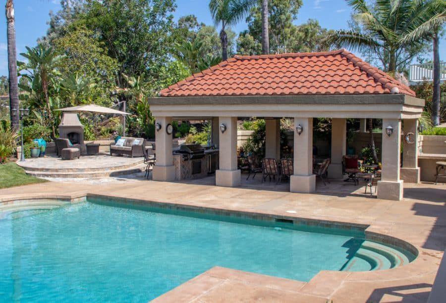 outdoor-kitchen-bar-pool-house-ideas5-3365324