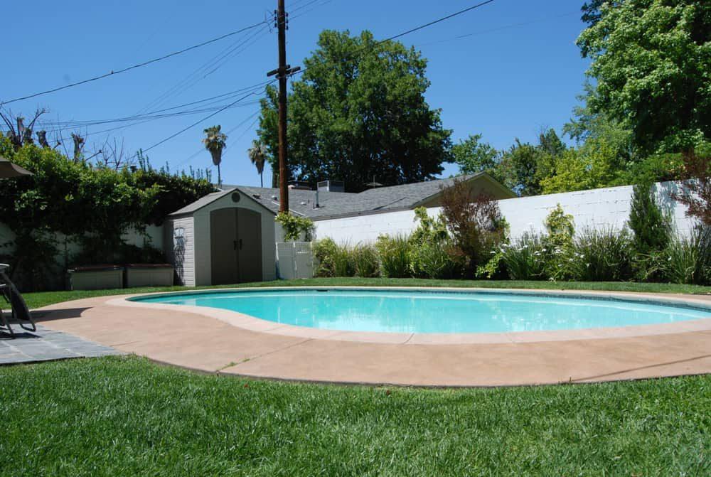 pool-shed-pool-house-ideas-4-7232340