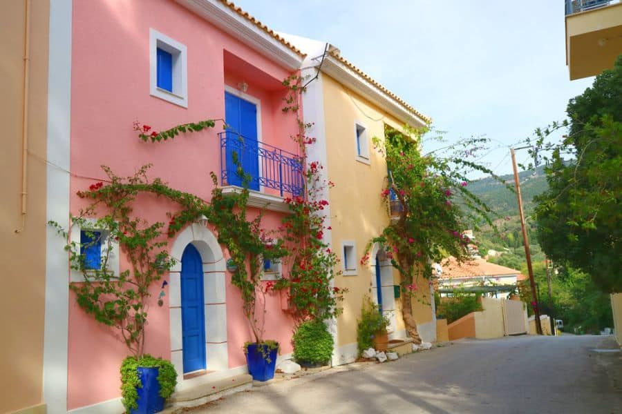 colorful-mediterranean-house-2-1041961