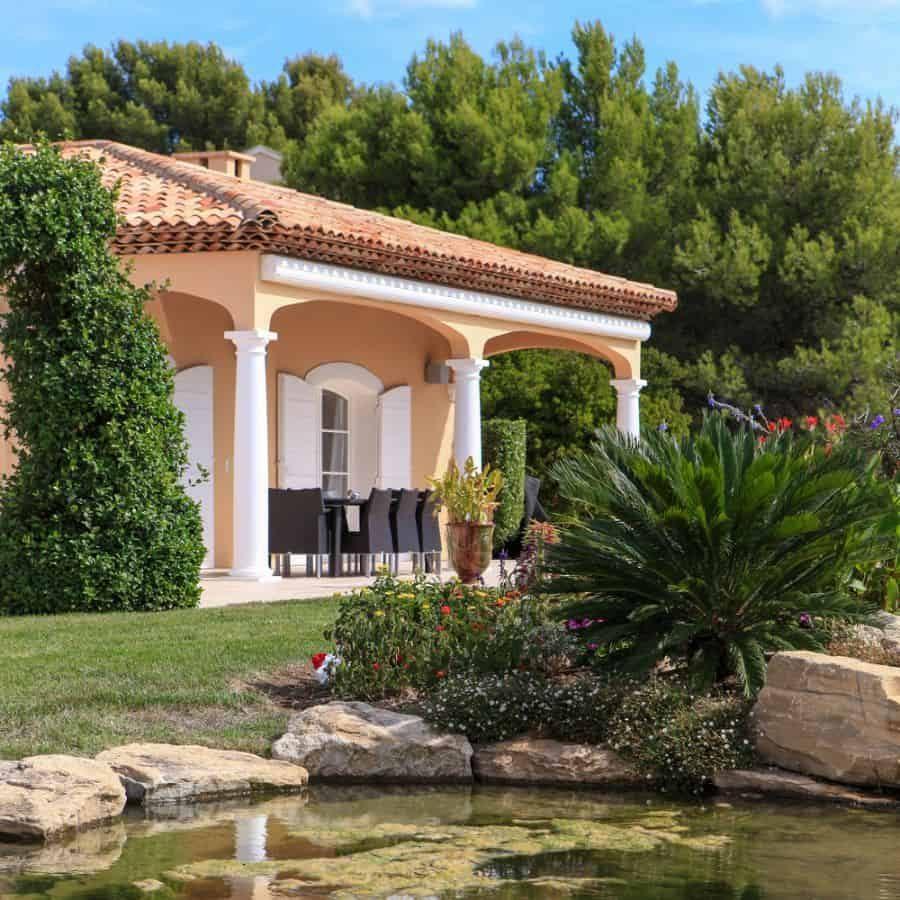 exterior-mediterranean-house-1-2514418