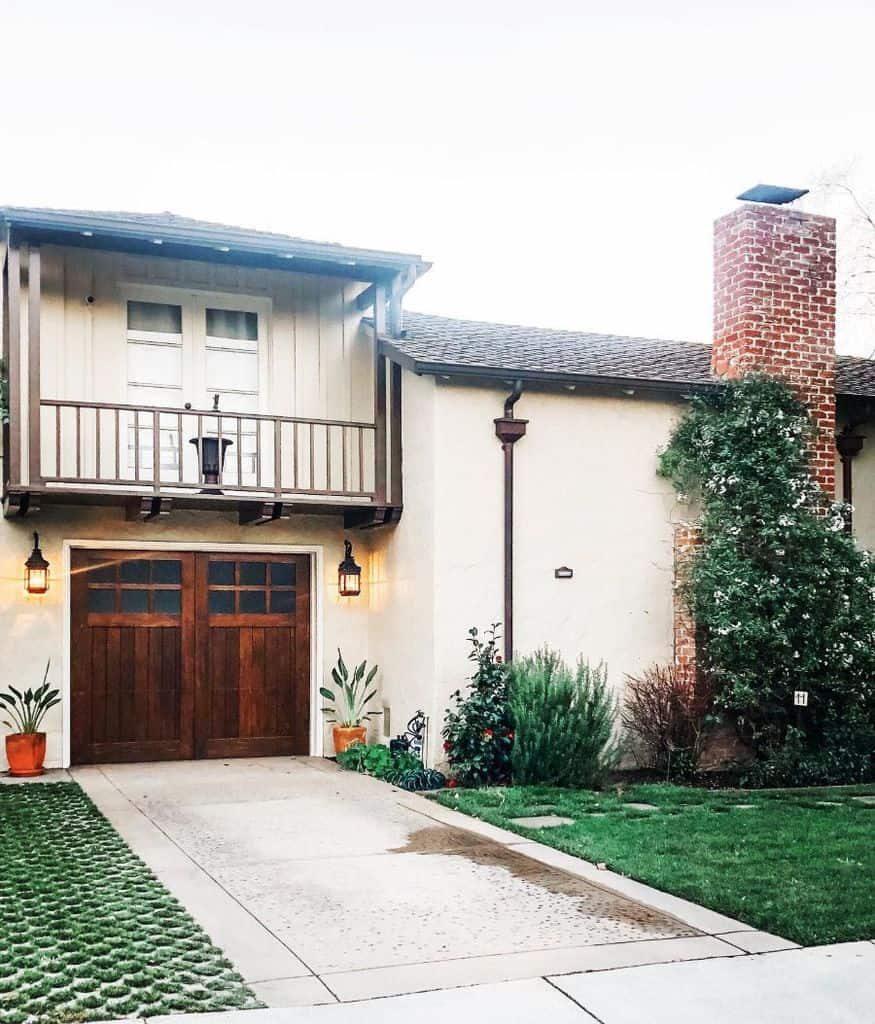 exterior-mediterranean-house-michellesmediterraneanhouse-3348764