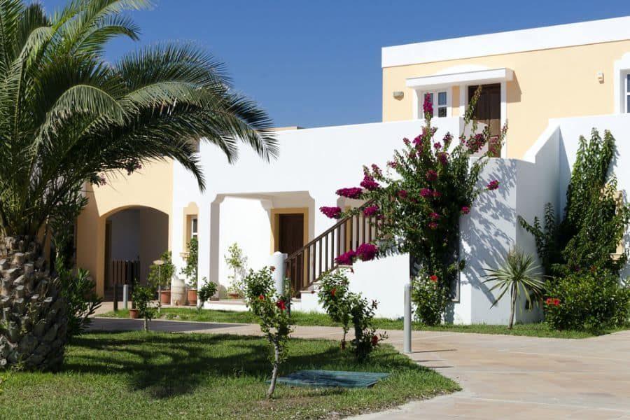 mediterranean-apartment-house-3154425