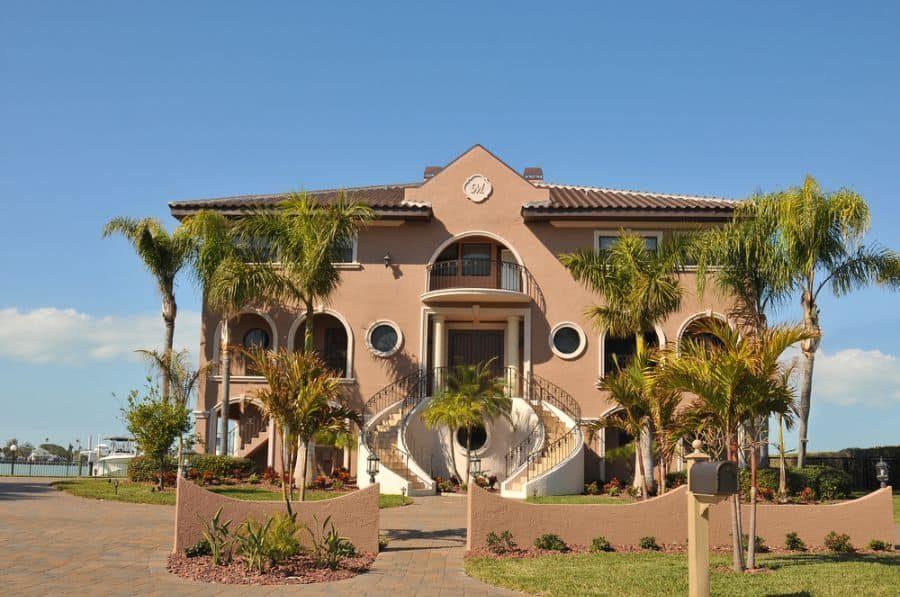mediterranean-style-luxury-waterfront-home-1-2519113