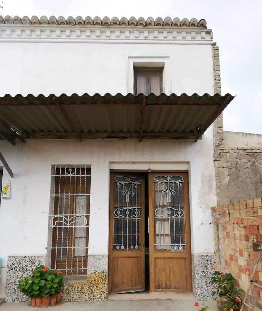 old-mediterranean-house-olivetree_house-3166159