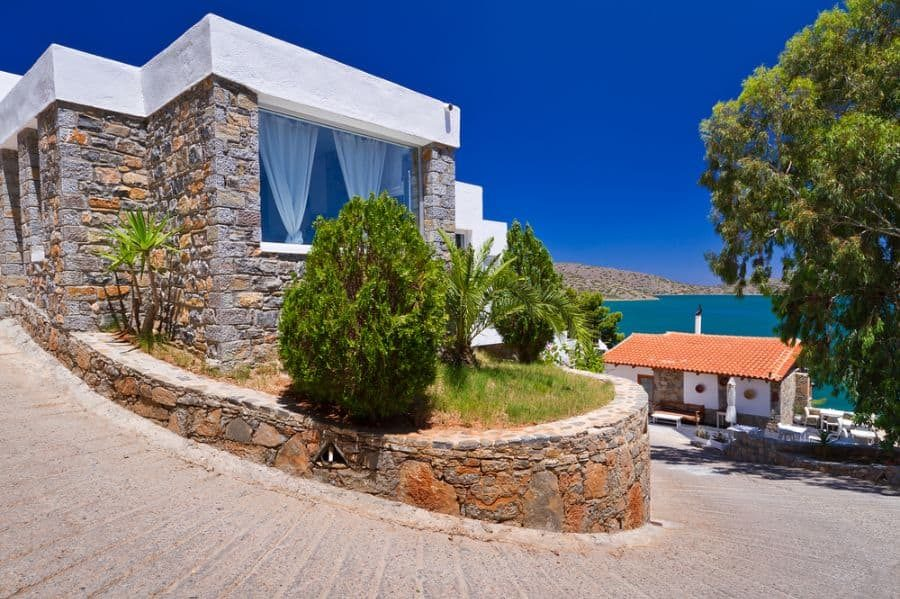 simple-mediterranean-house-2-1563623