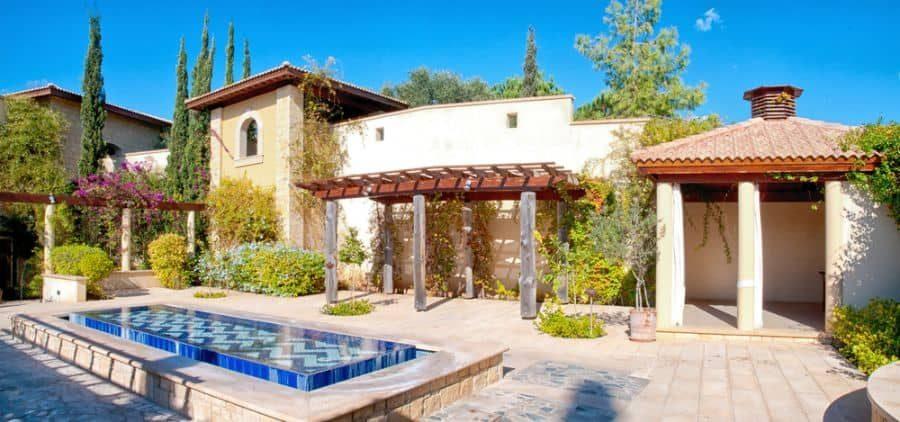traditional-mediterranean-villa-7295004
