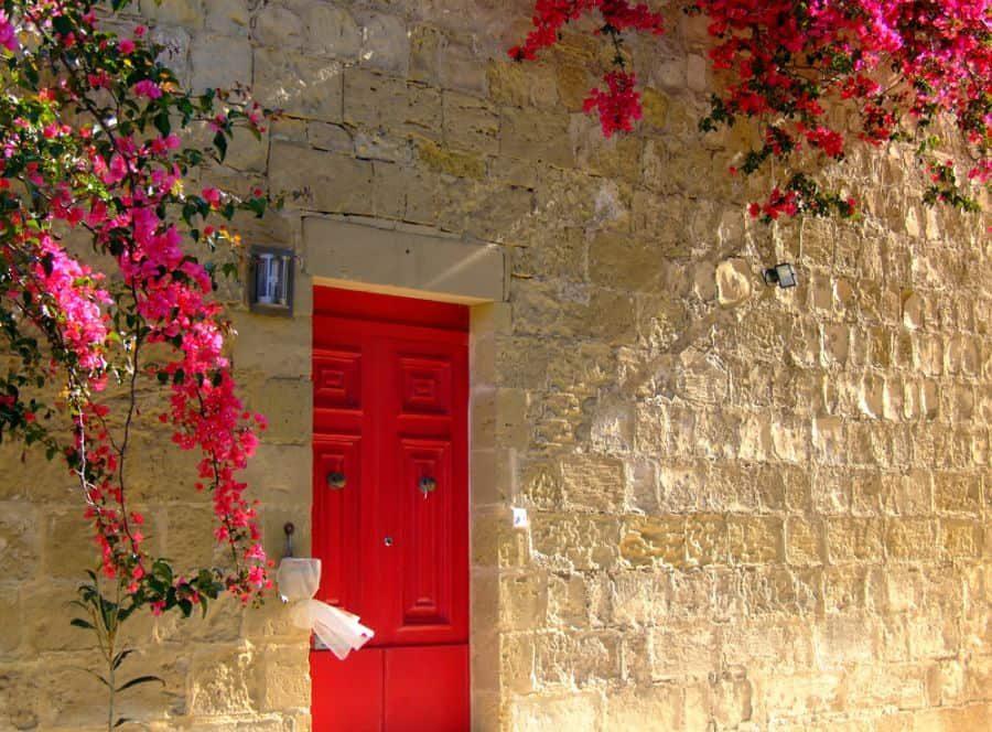 typical-limestone-mediterranean-house-3735696