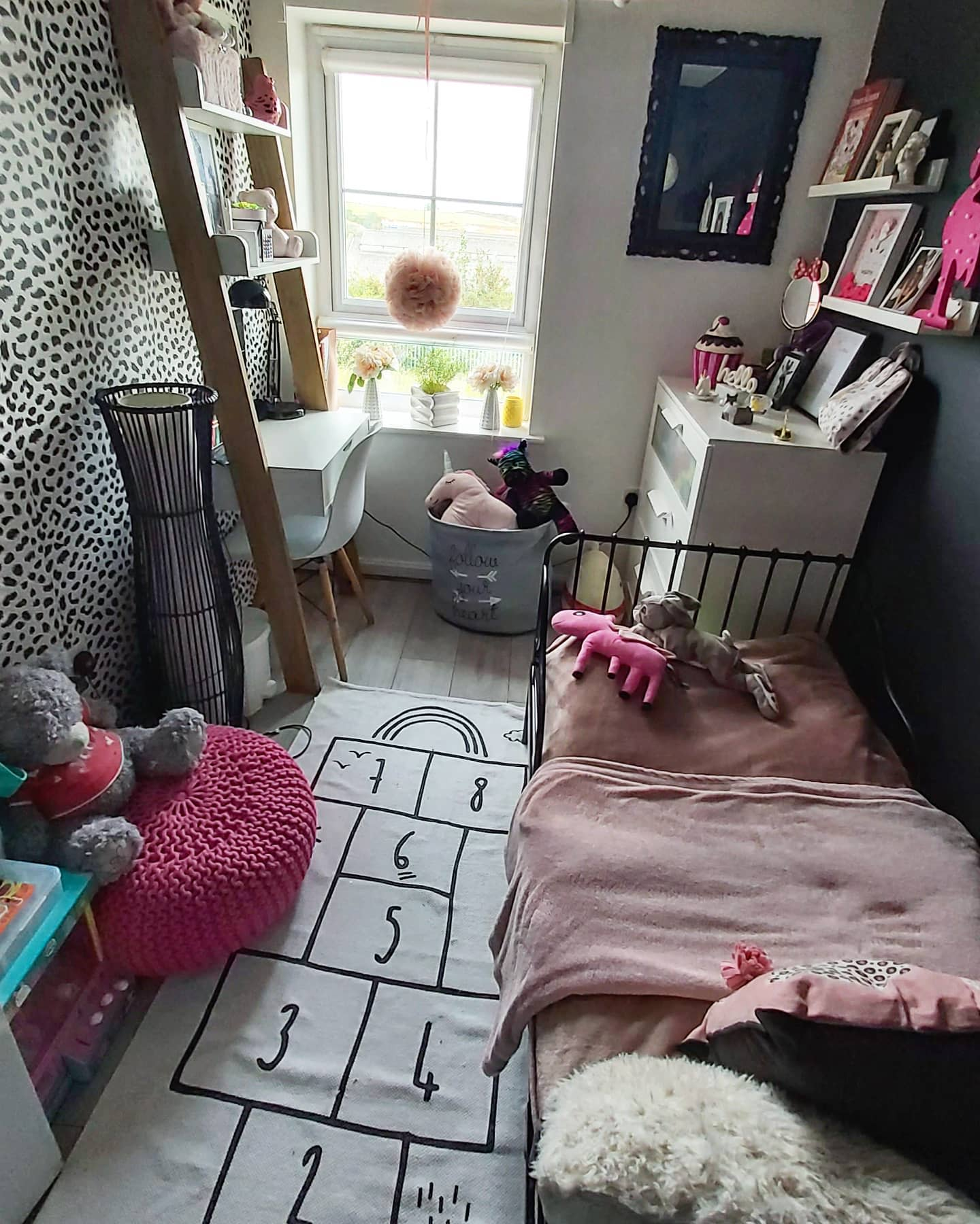 bedroom-small-room-ideas-interior_by_agnes