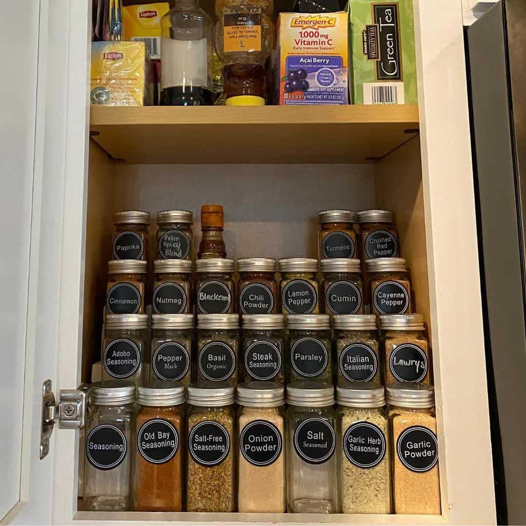 cabinet-spice-rack-ideas-builderbynight-1612285