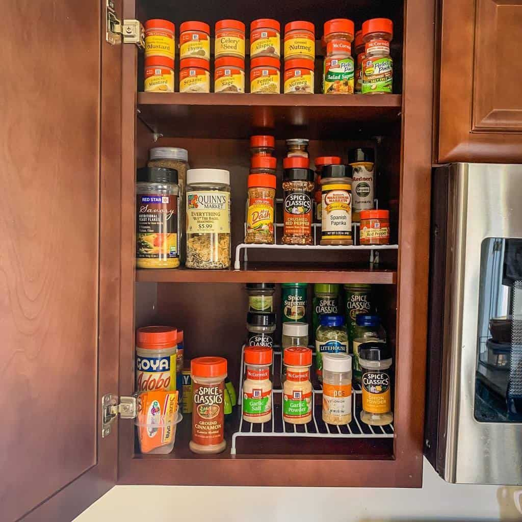 cupboard-spice-rack-ideas-cindy_metzler_-7711213