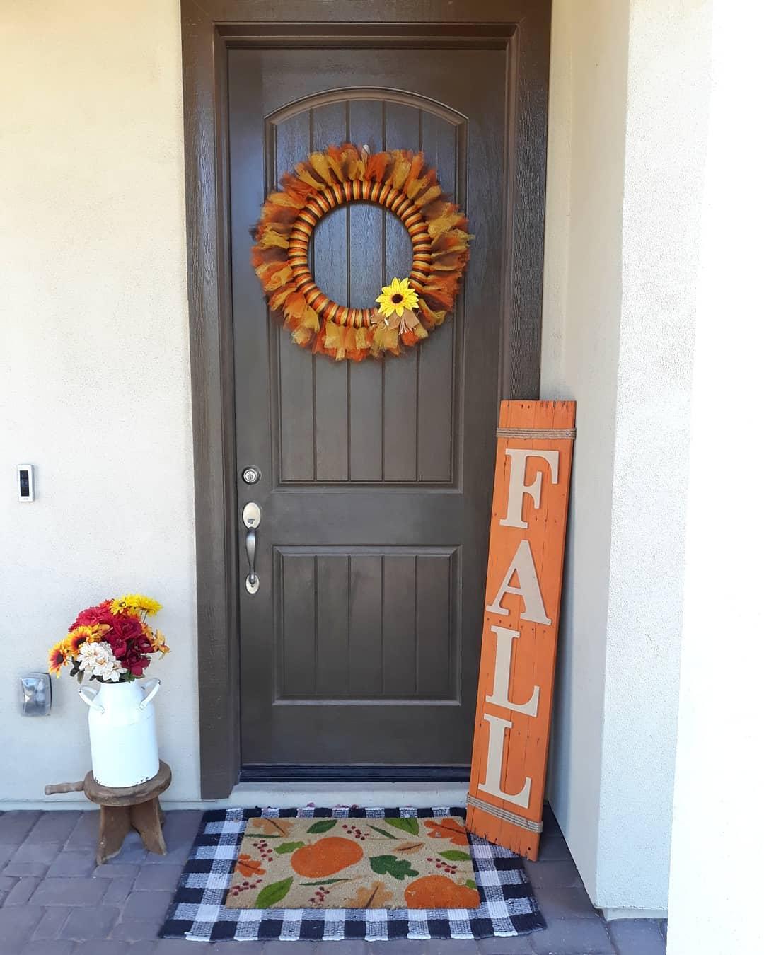 front-door-fall-decorating-ideas-heavymetalhomemaker