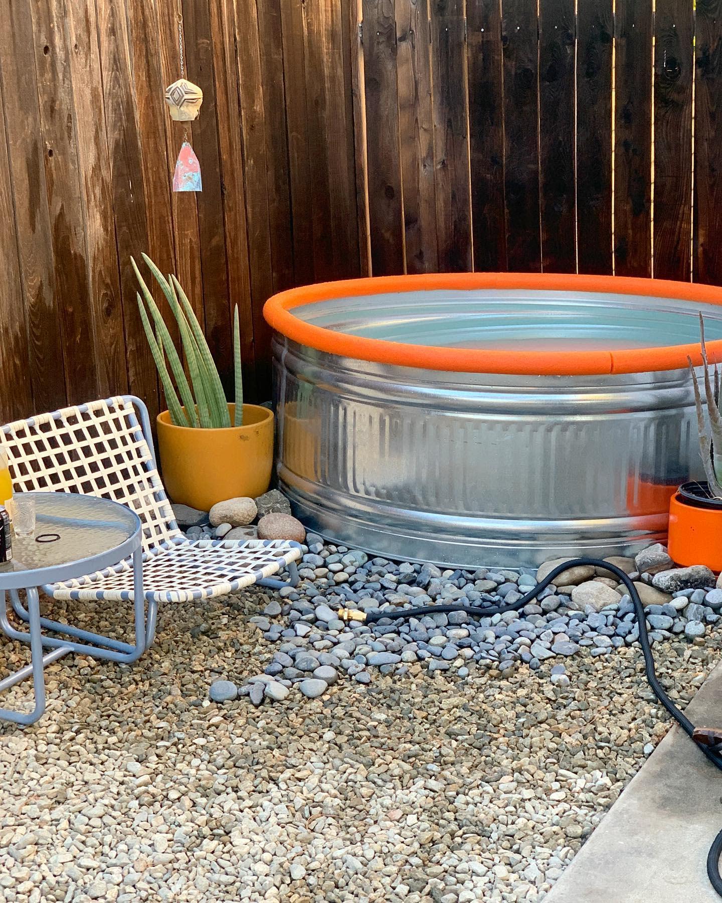 galvanized-stock-tank-pool-ideas-modern-thrifter