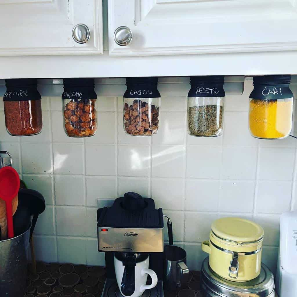 hangging-spice-rack-ideas-diythalie-2281188