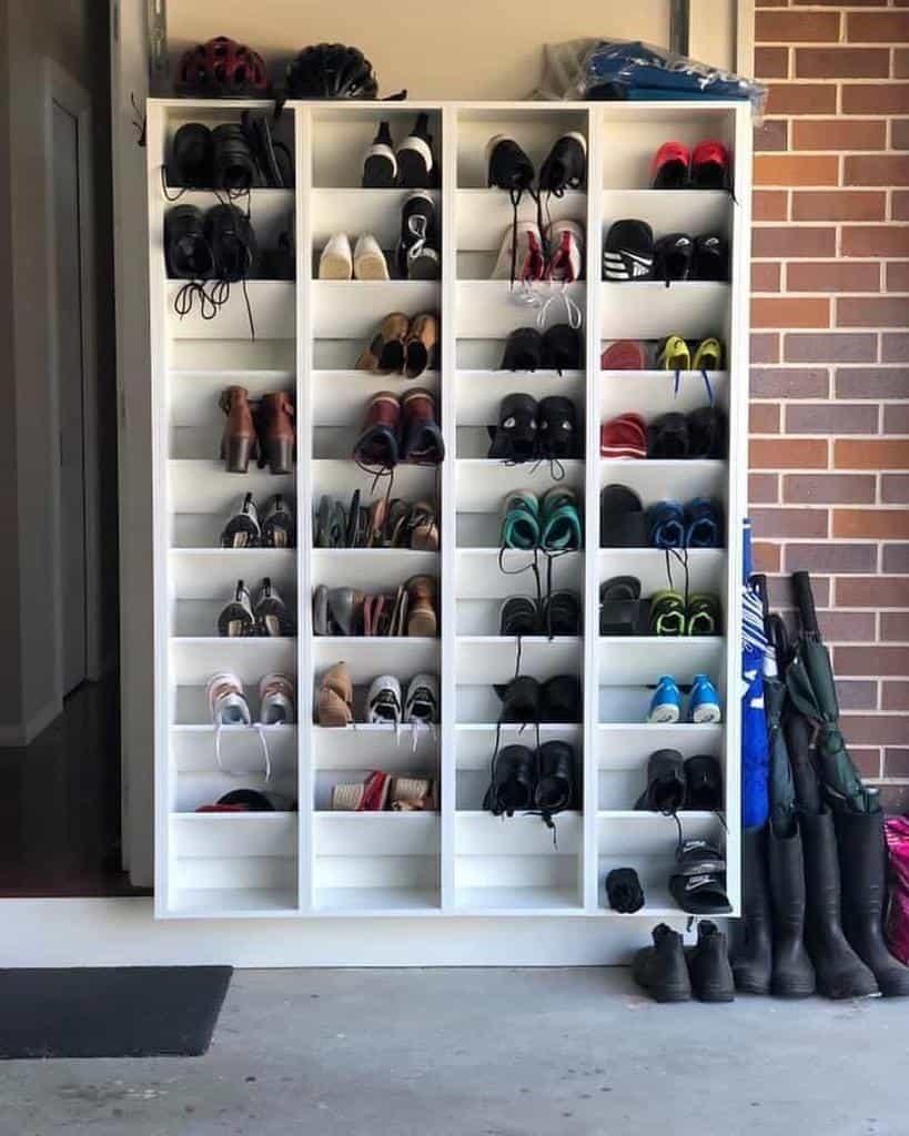 hanging-shoe-storage-ideas-blackbirdjoinery-4851337
