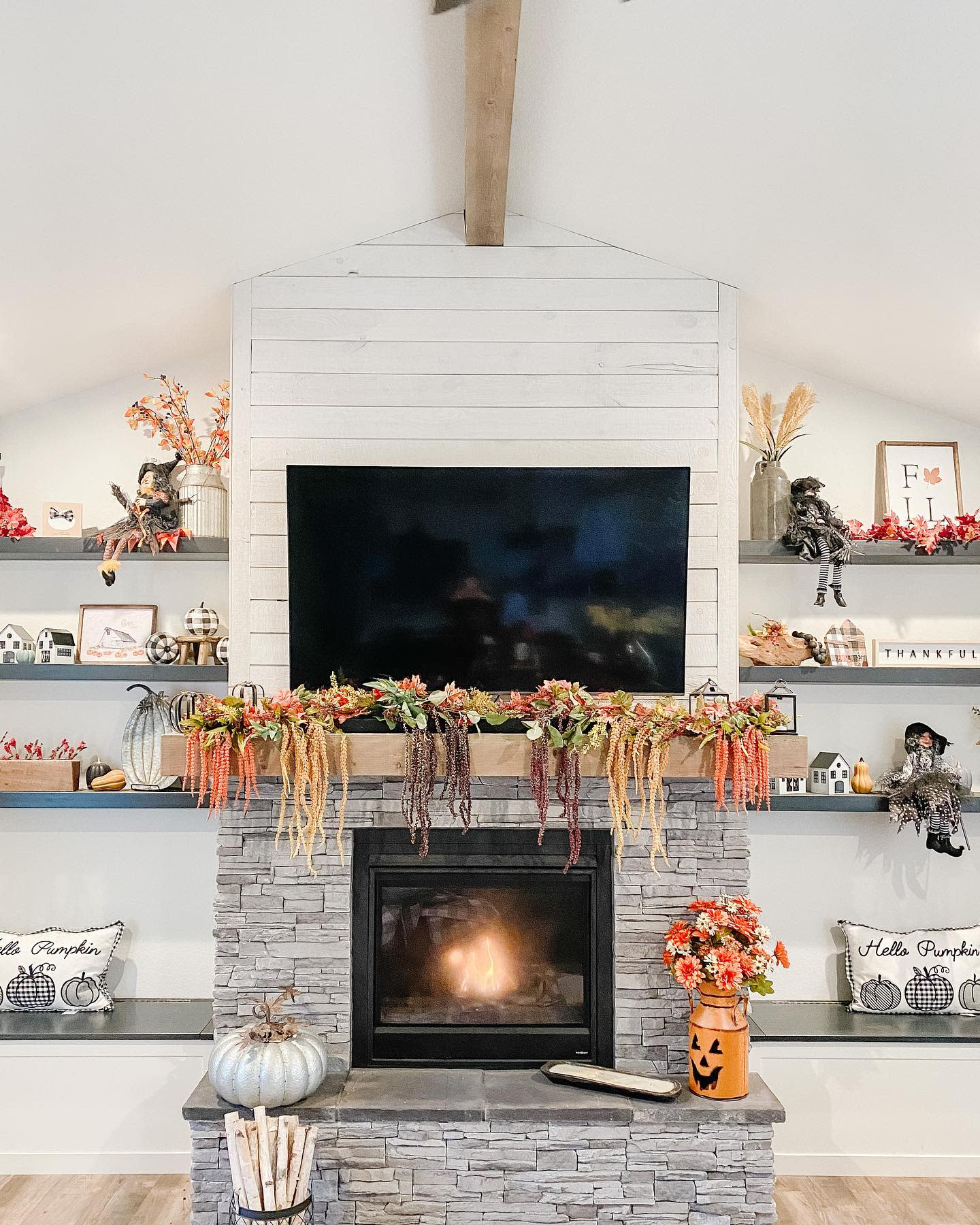 interior-fall-decorating-ideas-oursodakfarmhouse