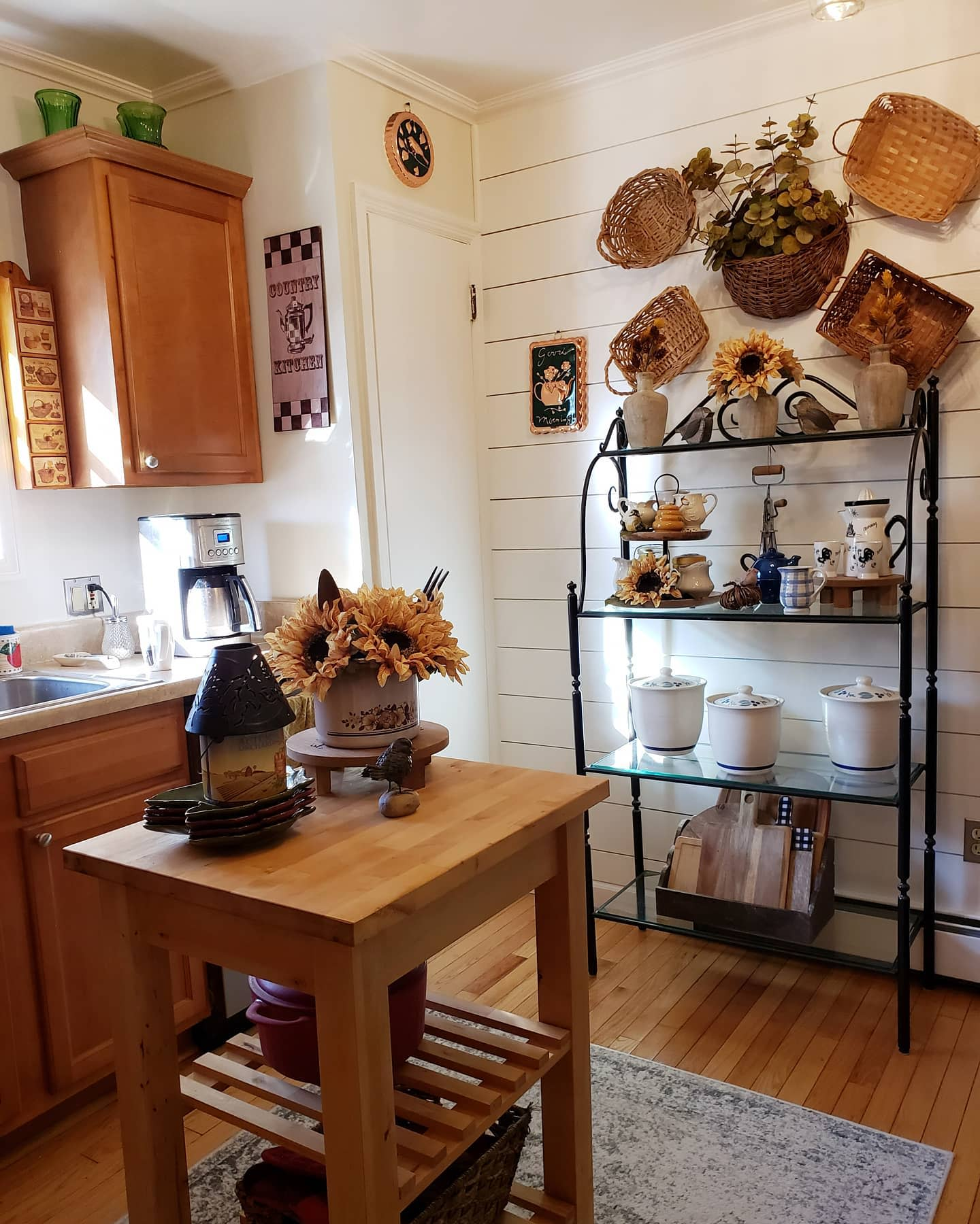 kitchen-fall-decorating-ideas-summitviewdesignsbyelaine
