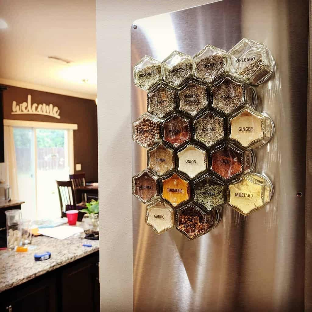 magnetic-spice-rack-ideas-caitlinebahr-3764337