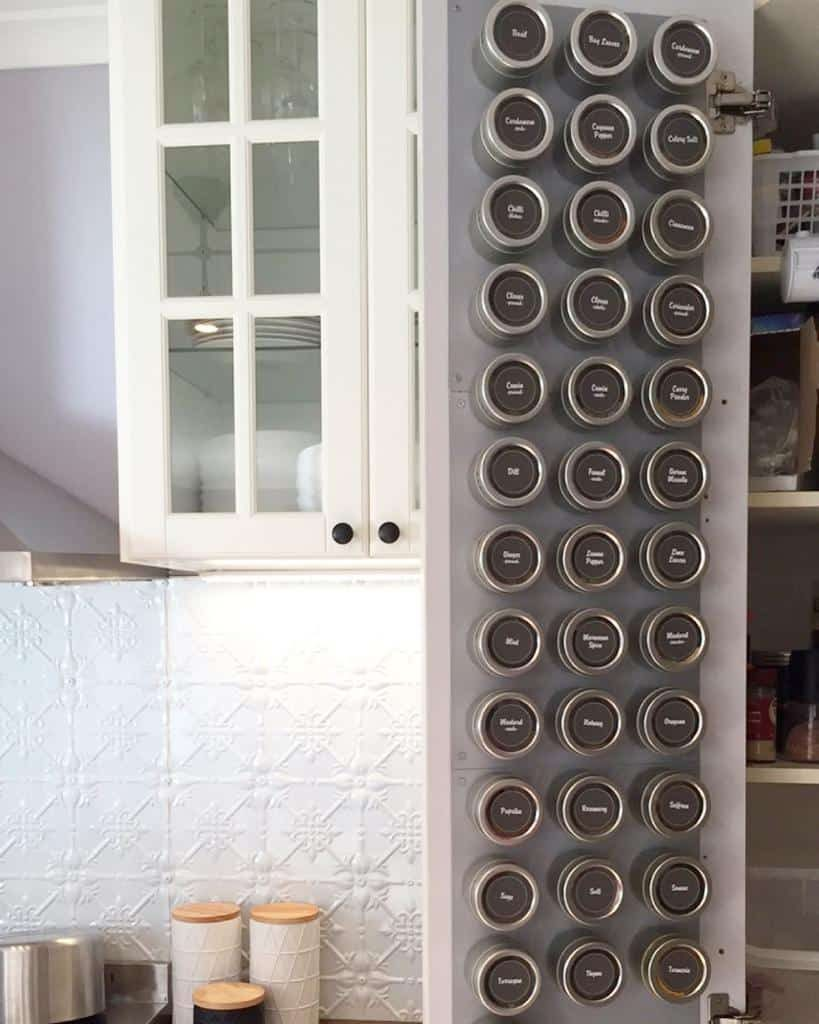 magnetic-spice-rack-ideas-marikaknowsthings-9109067