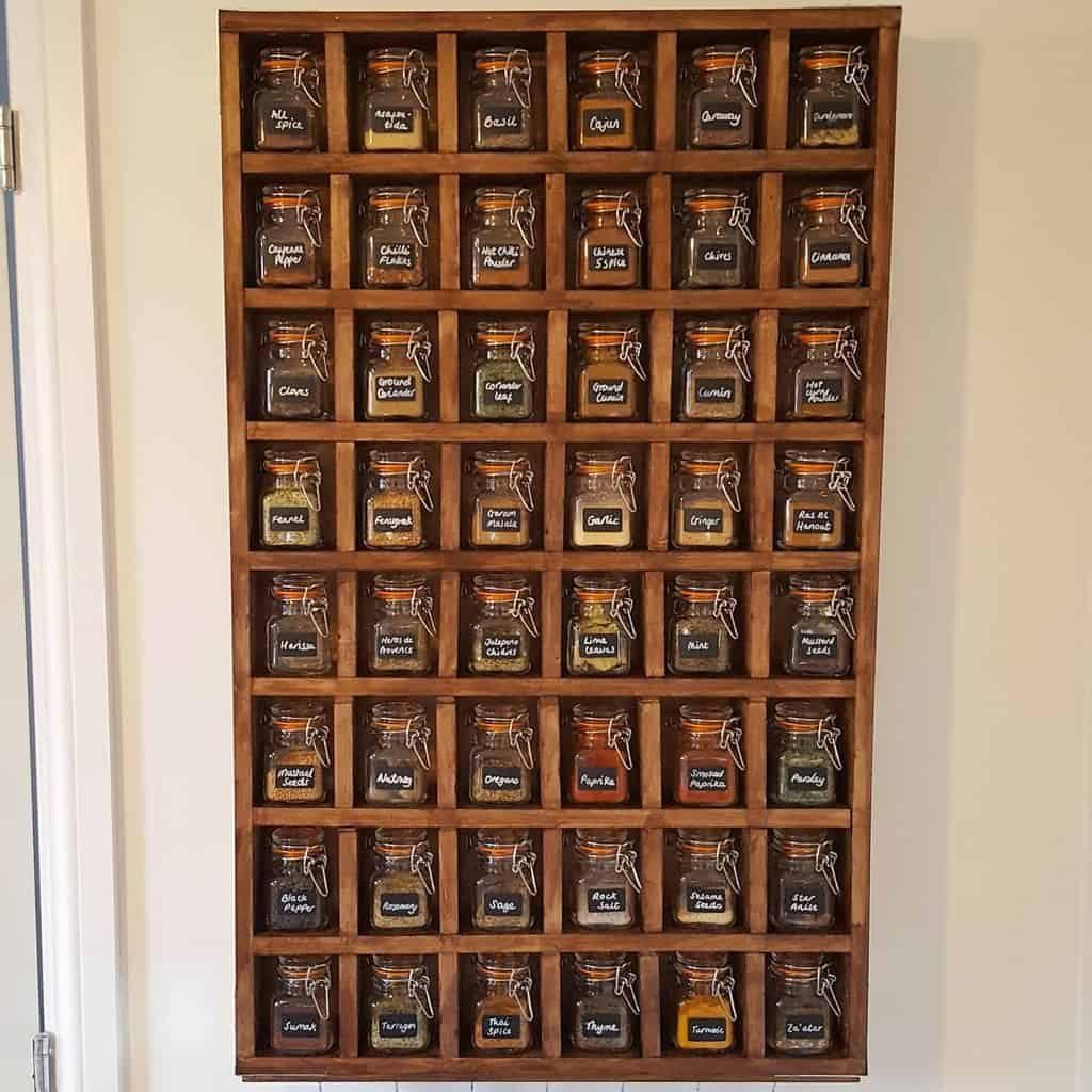 mason-jar-spice-rack-ideas-_matt_of_all_trades_-2380030
