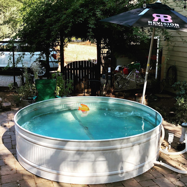 painted-stock-tank-pool-ideas-faulkfarmstead