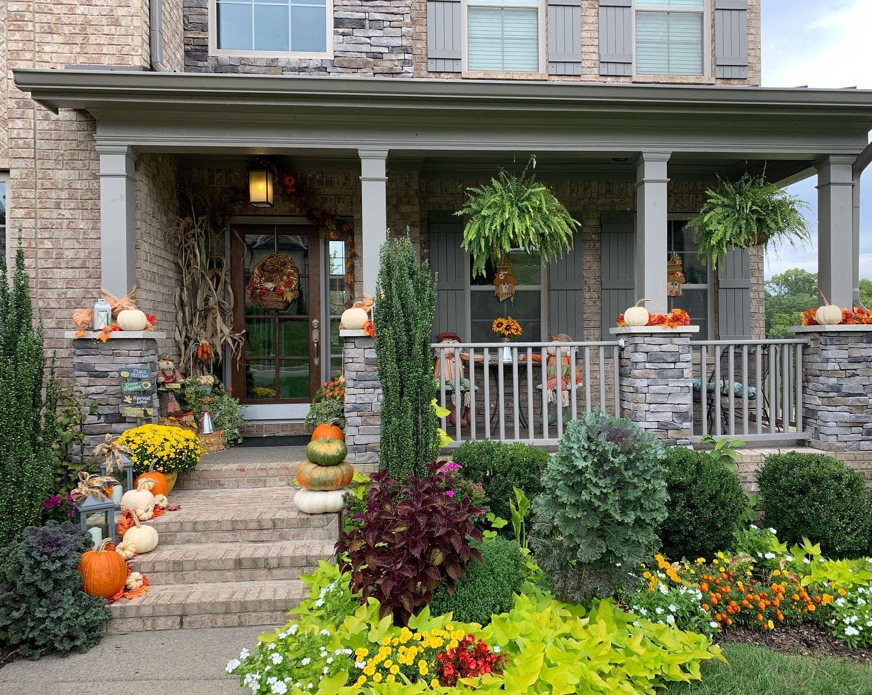 porch-fall-decorating-ideas-lizmaikagardendesign