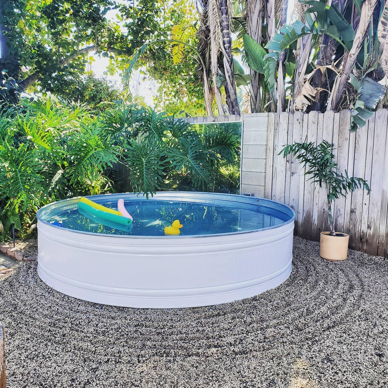 round-stock-tank-pool-ideas-heart-makes-home