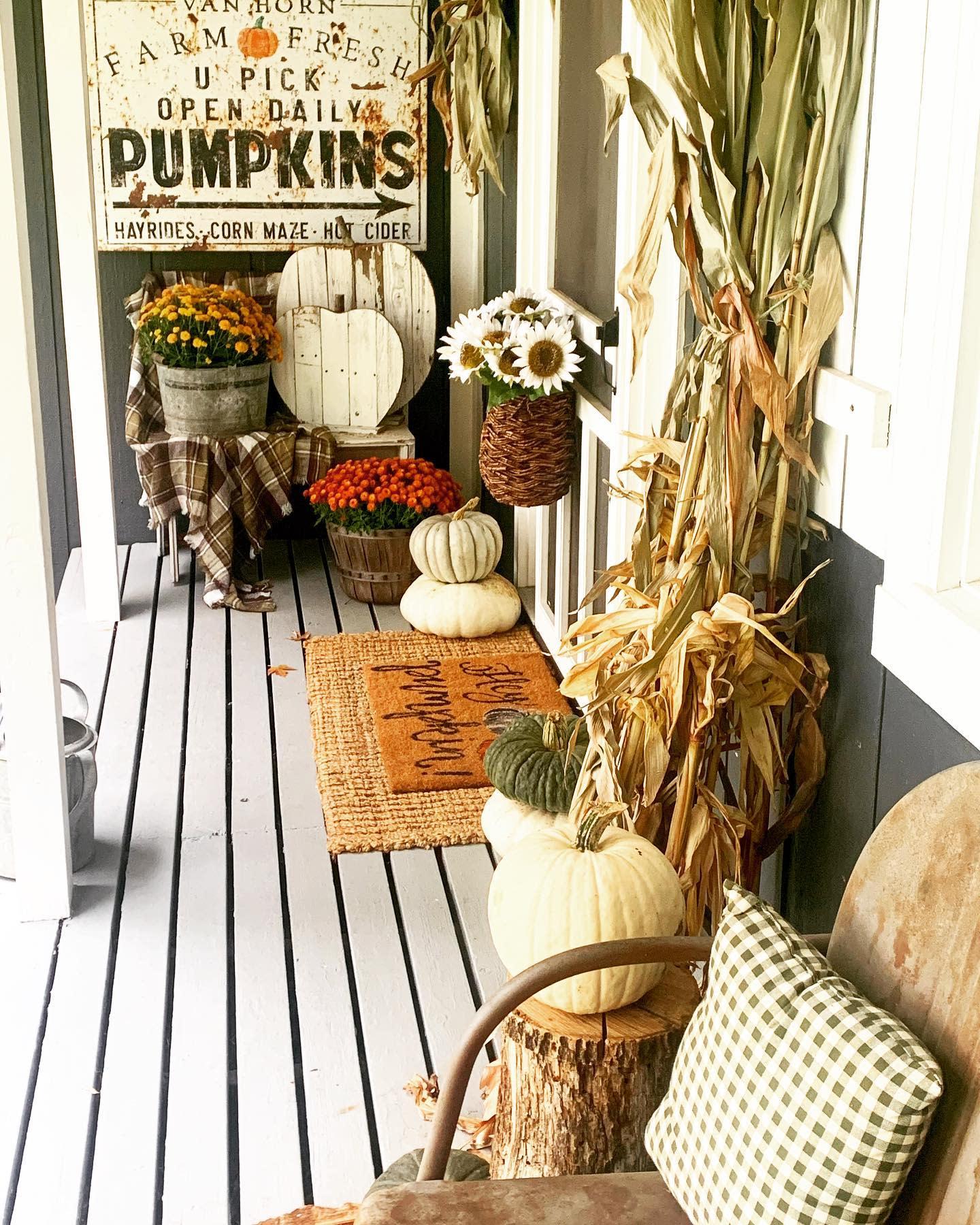 rustic-fall-decorating-ideas-gramsfarmhouse