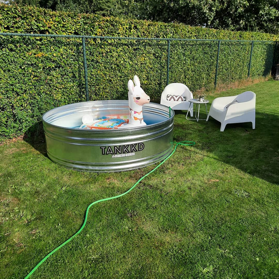small-stock-tank-pool-ideas-tubs_and_tanks