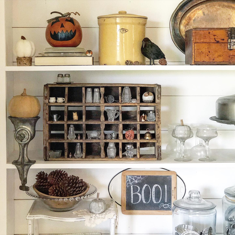 vintage-fall-decorating-ideas-something-gray