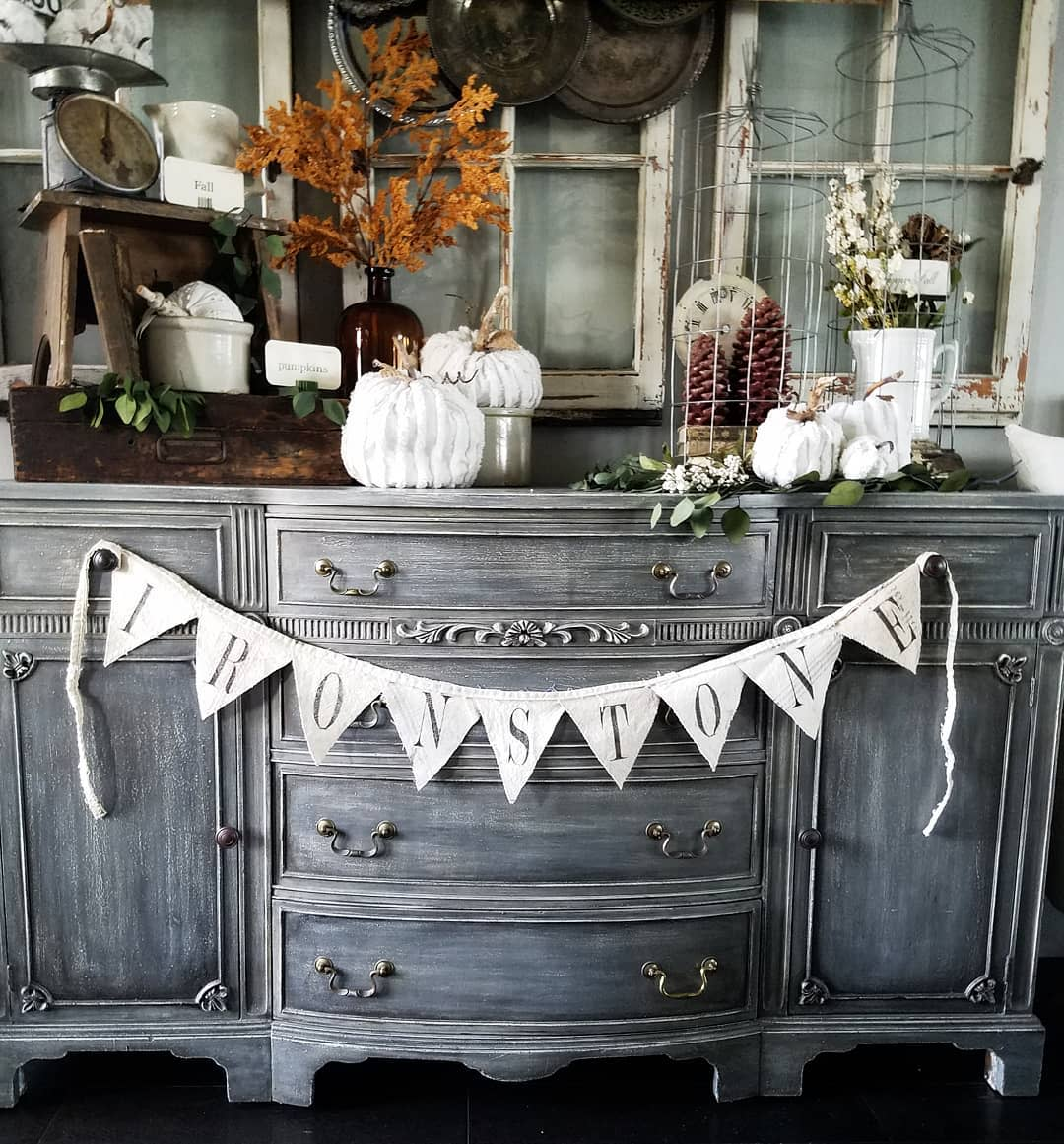 vintage-fall-decorating-ideas-thevintagepelican