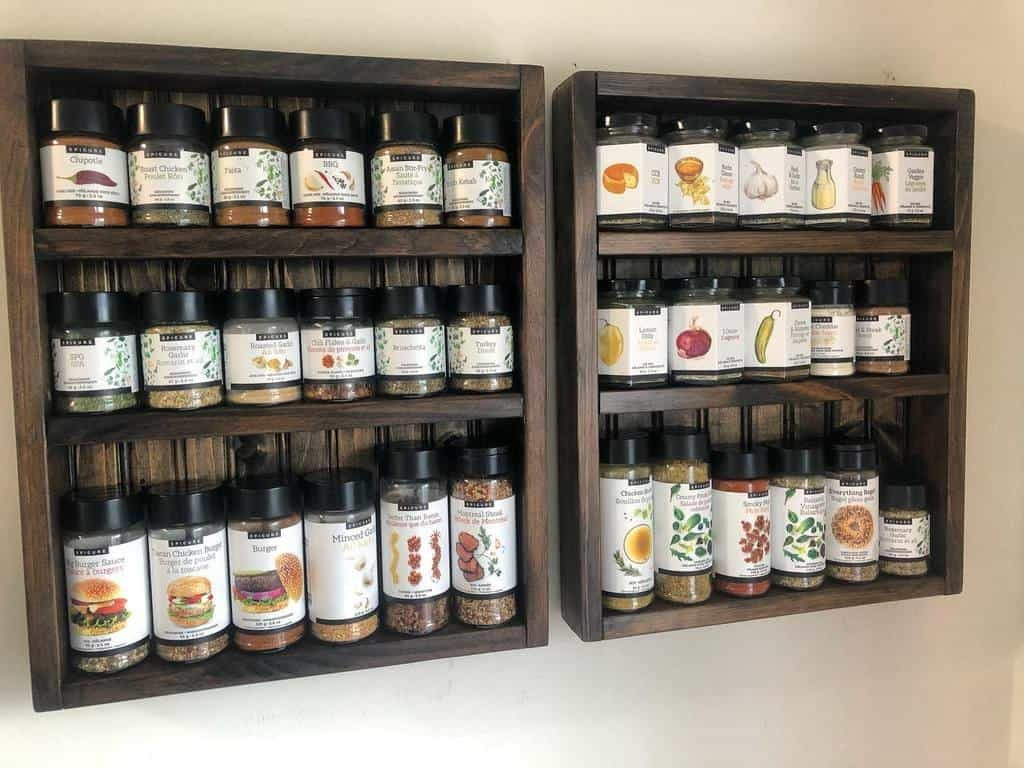 wall-spice-rack-ideas-halispicemama-1358398