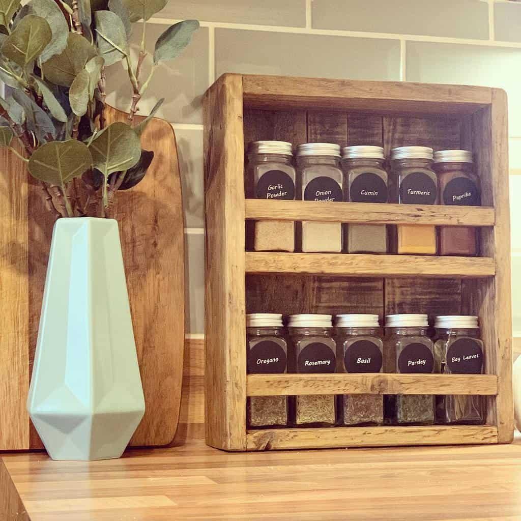 wood-spice-rack-ideas-housetohome-45-8393813