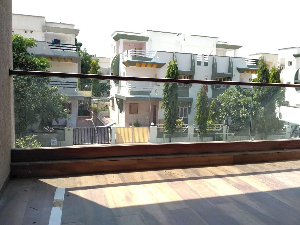 Glass Balcony Ideas -diaanenterprise
