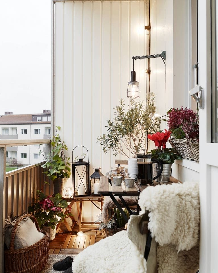 Small Balcony Ideas -superhomedecorideas