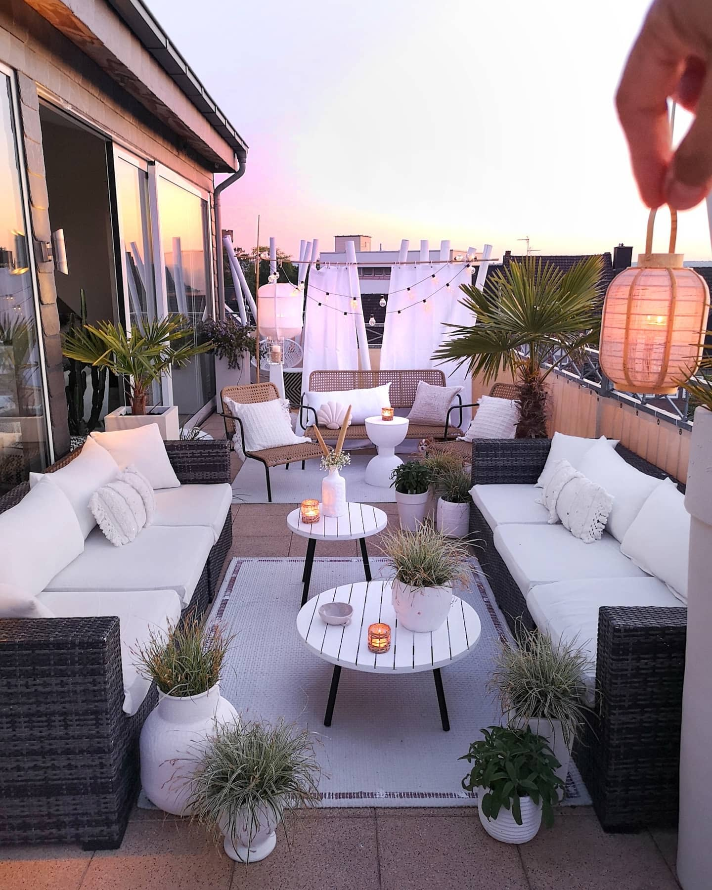 Stylish Balcony Ideas -belliwood_living