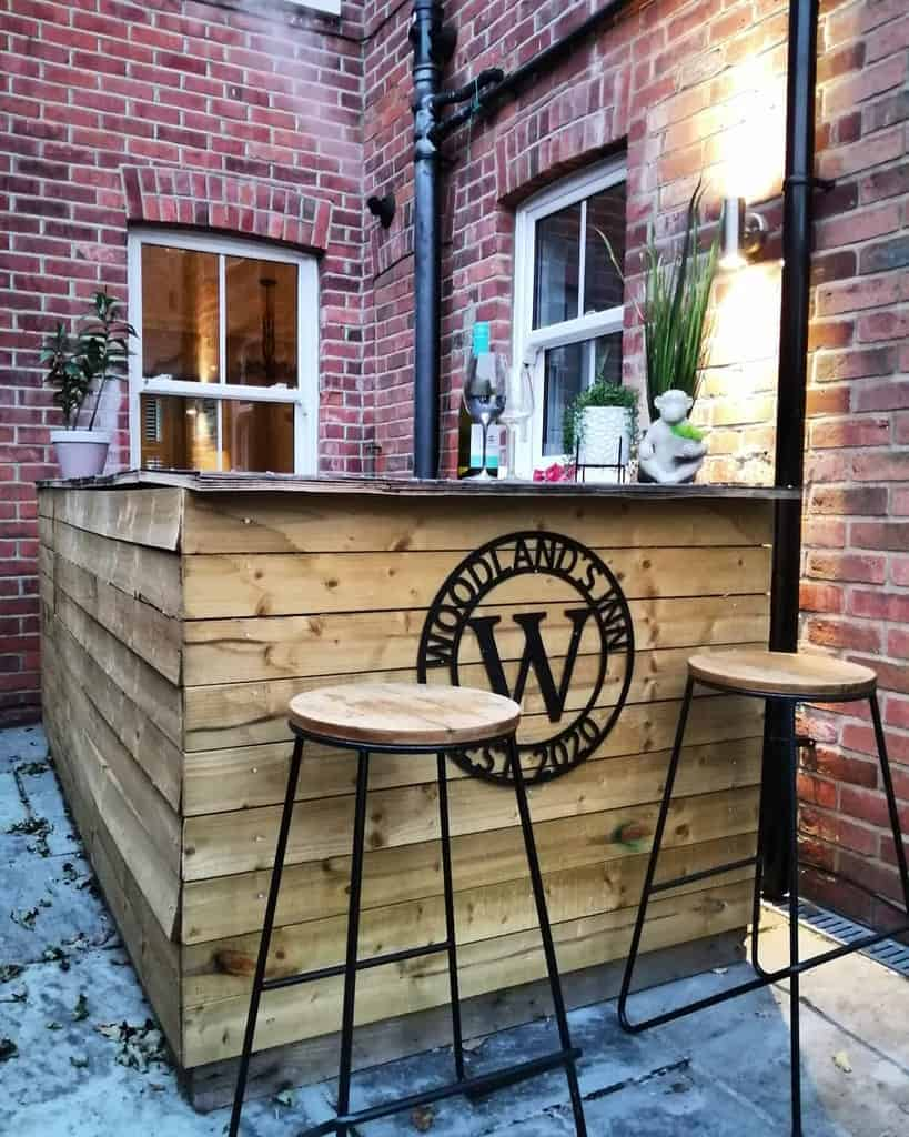Bar Pallet Furniture Ideas -hampshirehousetohome