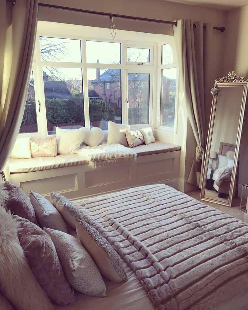 Bedroom Bay Window Ideas -angiehappyhome