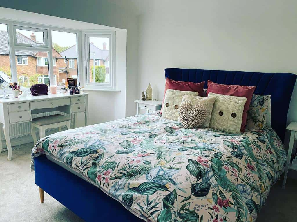 Bedroom Bay Window Ideas -lulus.home_