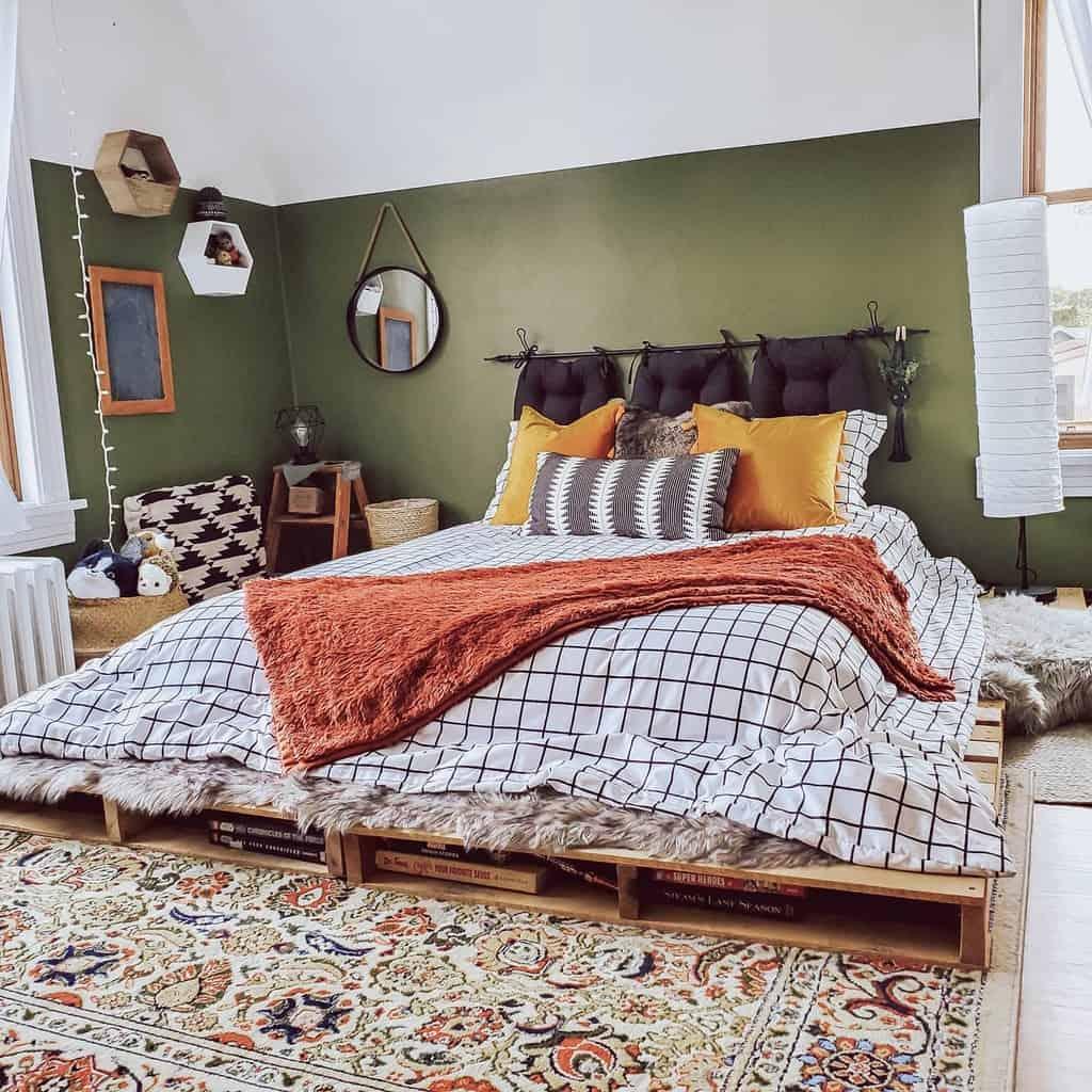 Bedroom Pallet Furniture Ideas -knotsandnubs_bkirsch
