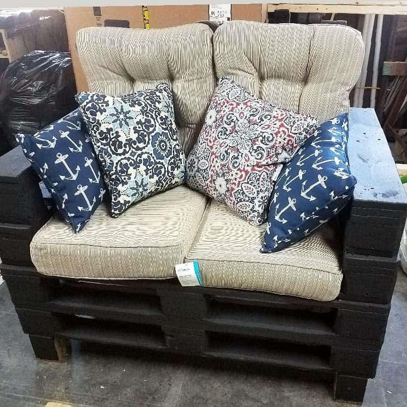 Chair Pallet Furniture Ideas -megrogerscn