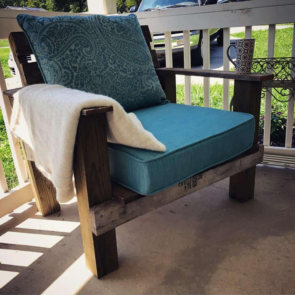 Chair Pallet Furniture Ideas -seekingthecatalyst