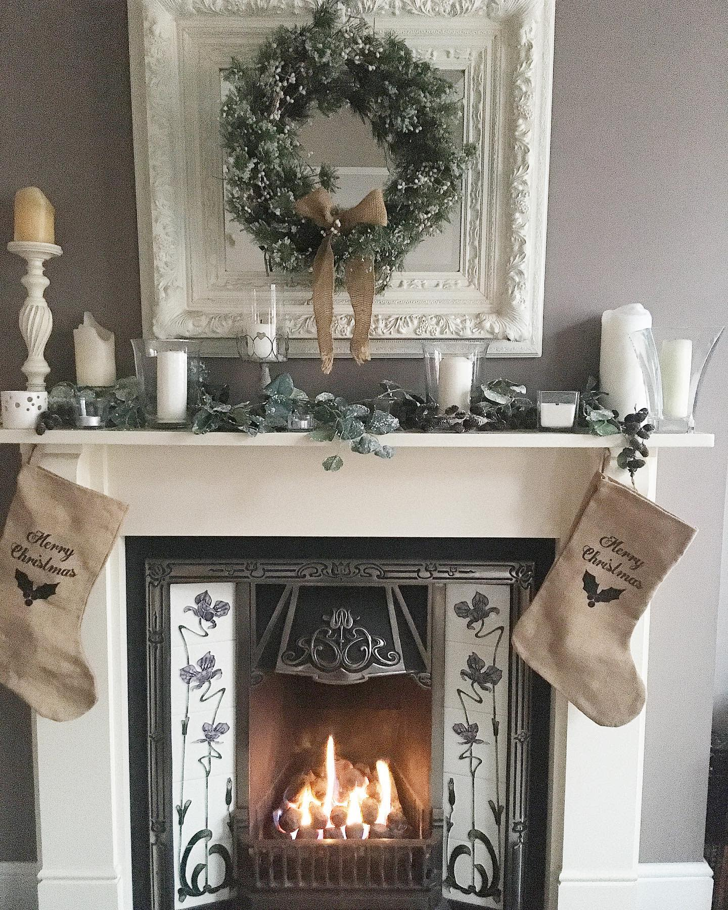 Fireplace Christmas Decorating Ideas -this.oldehouse