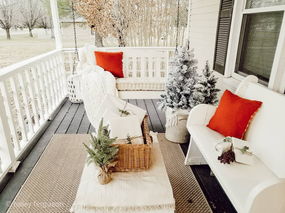 Porch Christmas Decorating Ideas -life_in_the_pike