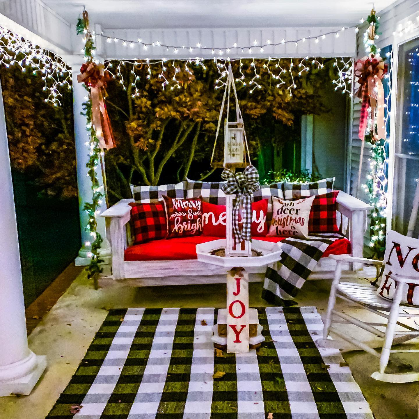 Porch Christmas Decorating Ideas -lollisouthernstyle