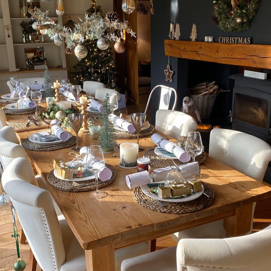 Table Christmas Decorating Ideas -cowshedchic