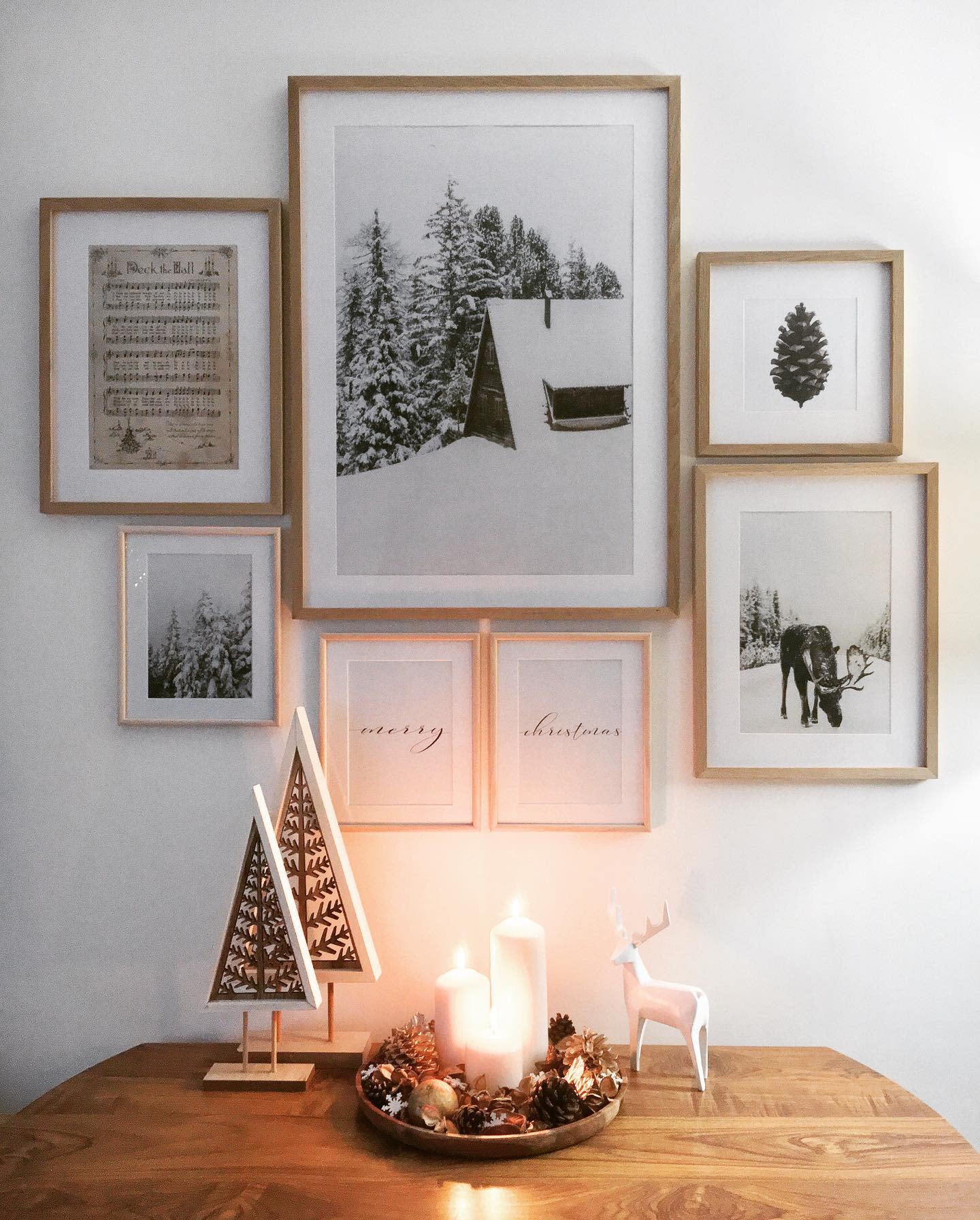 Wall Christmas Decorating Ideas -love_lives_here