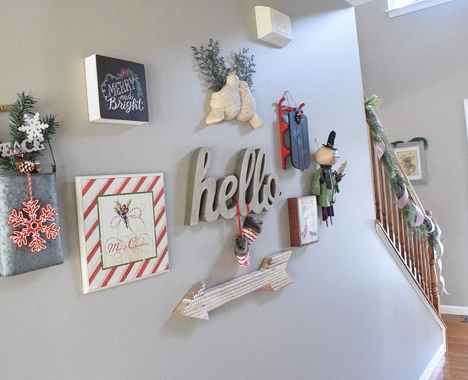 Wall Christmas Decorating Ideas -simpleinspirationsathome