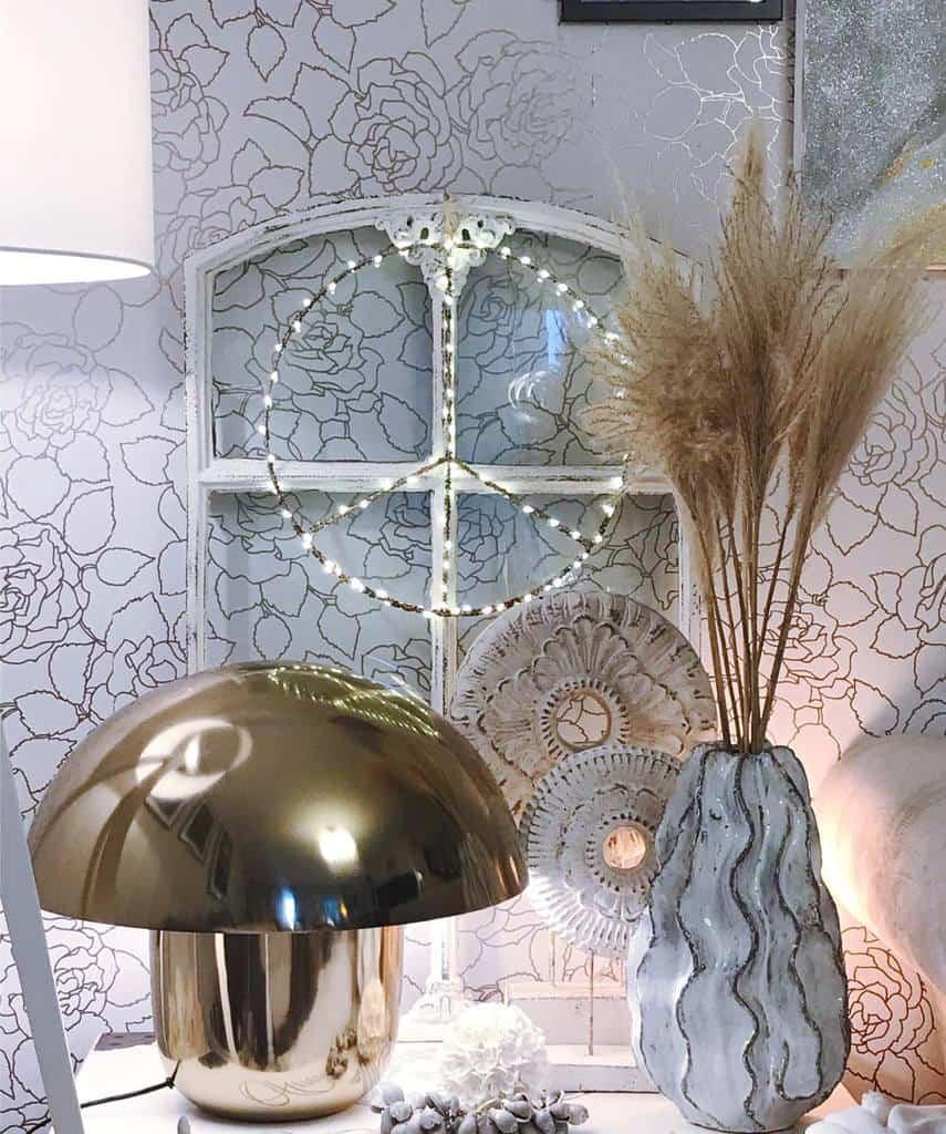 Decorative Old Window Ideas -lillemanne_3