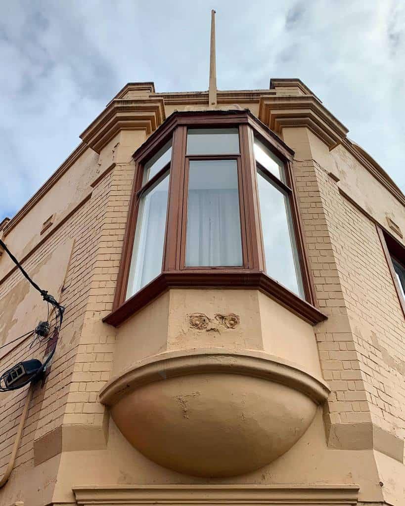 Exterior Bay Window Ideas -oldmoneyarchitecture